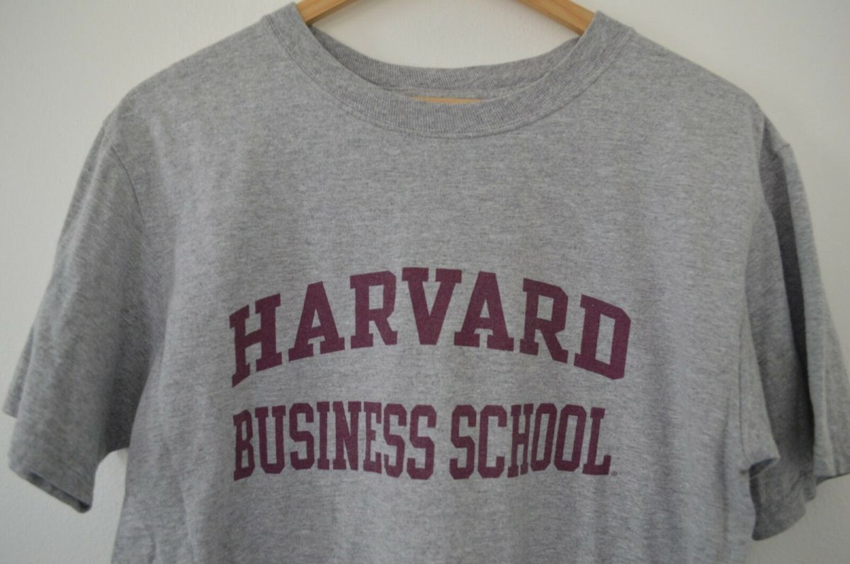 Harvard University Business School T-Shirt Mens Med to Slim Large